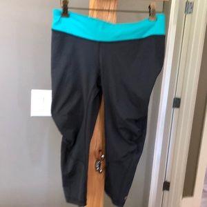 Lululemon capri pants or leggings